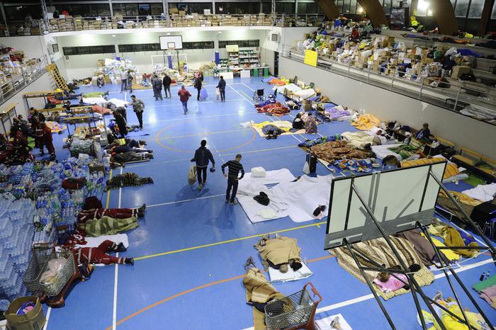 Il palazzetto dello sport adibito a centro di accoglienza per i terremotati. Amatrice, 25 Agosto 2016. ANSA/FLAVIO LO SCALZO